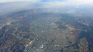Simi-Valley-Aerial-from-west-with-mountains-August-2014