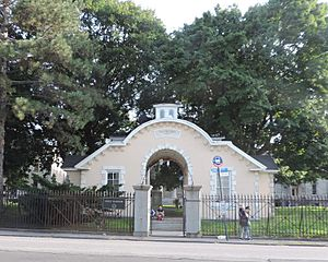 Snug Harbor old main gate jeh