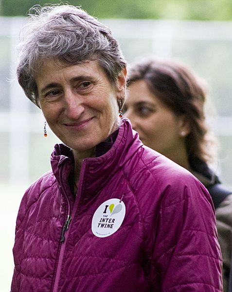 Secretary Jewell and the Northwest Youth Corps (8818705428)