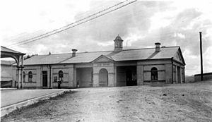 StateLibQld 1 146815 Gympie Lands Office, ca. 1911