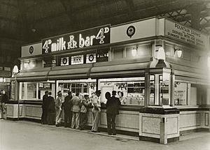 Central Station milk bar, 1946 (4009463159)