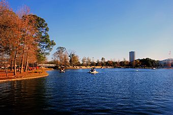 Gfp-texas-houston-lake-at-hermann-park.jpg