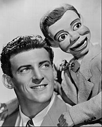 Jerry Mahoney and Paul Winchell circa 1950.jpg