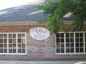 Antoon's Riverfront Restaurant in Natchitoches, LA IMG 1907