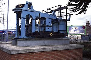 Engine of Paddle Steamer Leven, Dumbarton - geograph.org.uk - 174441