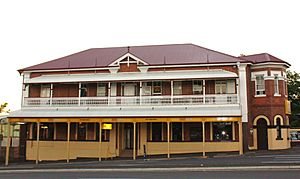 City View Hotel, West Ipswich, Queensland (1).jpg