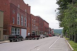 East Avenue in Thomas in 2006