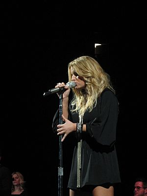 Jessica Simpson with Rascal Flatts @ Madison Square Garden 07