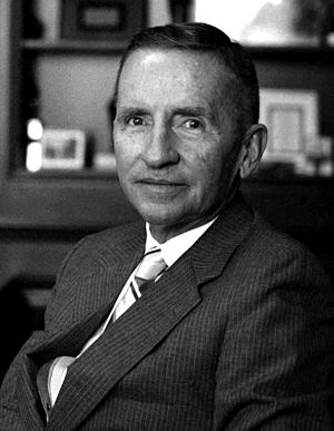 Ross Perot in his office Allan Warren (cropped).jpg