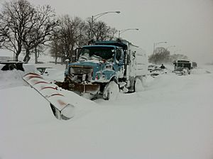 Stuck Salt Truck on Lake Shore drive Chicago Feb 2 2011 storm