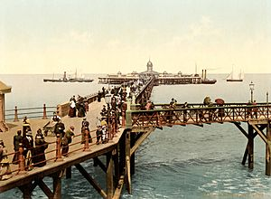 The jetty, Margate, Kent, England, ca. 1897.jpg