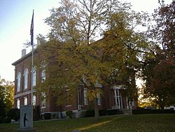 Hickman County Courthouse in Clinton, Kentucky