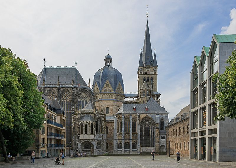 Aachen Germany Imperial-Cathedral-01