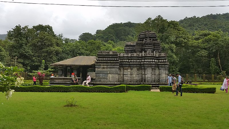 Mahadev Temple, Tambdi Surla (12th century)