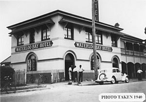 StateLibQld 1 196663 Waterloo Bay Hotel in the Brisbane suburb of Wynnum, 1940