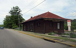 1615 - Berkeley Springs - Train Station