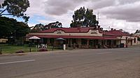 Magpie & Stump Hotel, Mintaro