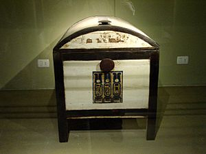Tutankhamun's chest by John Campana