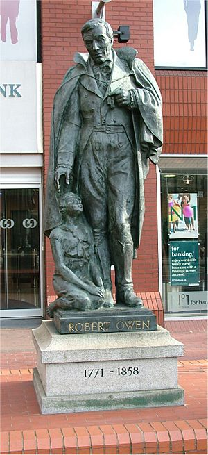 Robert Owen statue - Manchester - April 11 2005