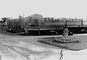 StateLibQld 1 130911 War Memorial and Civic Centre in Lamb Street, Murgon, 1938