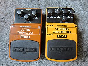 Behringer UT100 Ultra Tremolo & CO600 Chorus Orchestra