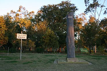 Clermont-flood-memorial-outback-queensland-australia.jpg