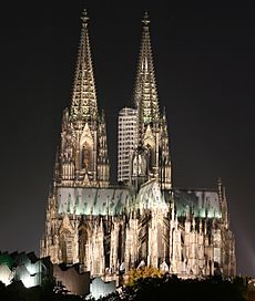 Colognecathedralatnight