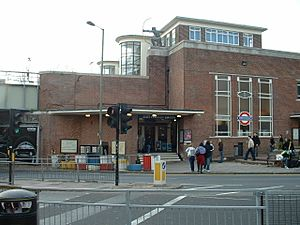 East Finchley stn building
