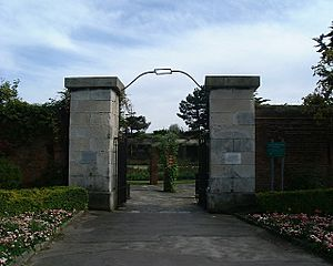 Entrance to Lumps Fort