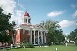 George County Courthouse in Lucedale