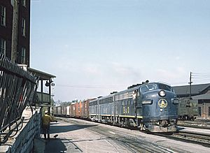 3 B&O Freight Train Photos at Martinsburg, W. VA. (27437398010)