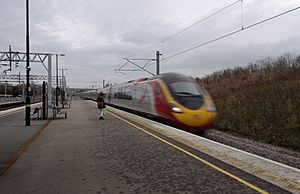 Milton Keynes Central railway station MMB 23 390008