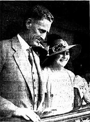Alexander Dunbar Aitken Mayes and his wife Thora, 1934