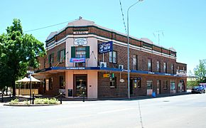 West Wyalong Tattersalls Hotel 001