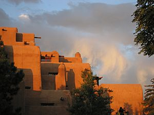 Adobe in Santa Fe at the Plaza - Hotel Inn and Spa at Loretto
