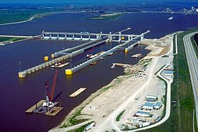 Mississippi River Lock and Dam number 26.jpg