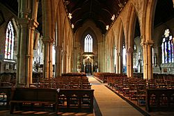 St.Wulfrum's nave - geograph.org.uk - 1045328