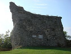 Remains of Clare castle keep - geograph.org.uk - 980544