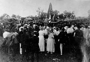 StateLibQld 2 44339 Dedication of the Soldiers' Memorial at Chinchilla, 1919