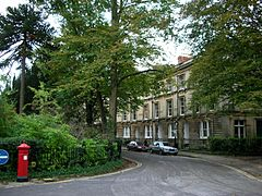 Park Town, Oxford - crescent.JPG