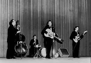 Johnny Cash and The Tennessee Three 1963