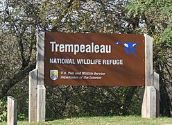 TrempealeauNationalWildlifeRefugeSign