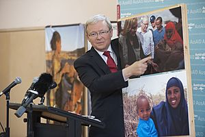 Kevin Rudd showing benefits of Australian assistance in Horn of Africa (10706520014)