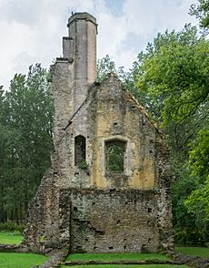 Minster Lovell Hall, south-east tower - 2016