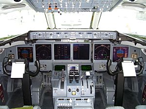 N938AT Boeing 717 flight deck