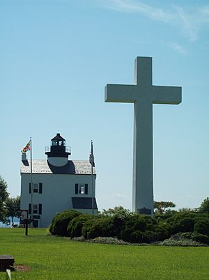 Cross and Blackistone Lighthouse Sept 09