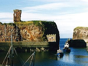 Dunbar Harbour and Castle, 1987