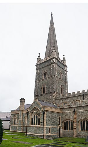 Derry St Columb's Cathedral Tower SE 2013 09 17.jpg