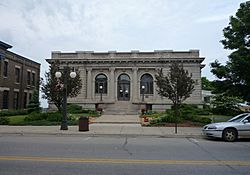 2009-0619-Menominee-Library