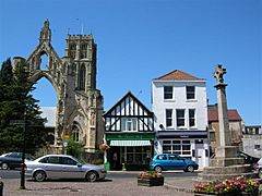 Howden Minster and Market Cross - geograph.org.uk - 202928.jpg
